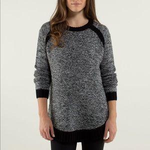 Lululemon Passage sweater size 4 black & grey